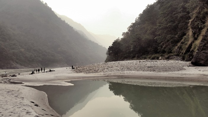 rishikesh-ganga-mountains
